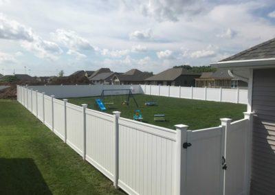 vinyl fence backyard