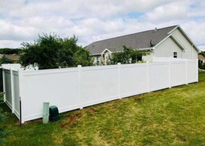vinyl fence sideyard
